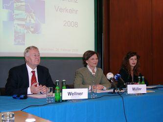Dieter Wellner, Emilia Müller und Regina Otto<br srcset=