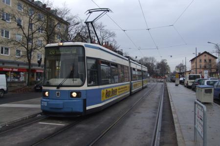 Nach vier Jahren fährt die Trambahn wieder zum Bahnhof Moosach