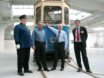 Bernd Helbig (Ehrenvorsitzender der Museumsfreunde), Christian Ude (Oberbürgermeister), Herbert König (MVG), Markus Trommer (Vorsitzender der Museumsfreunde)